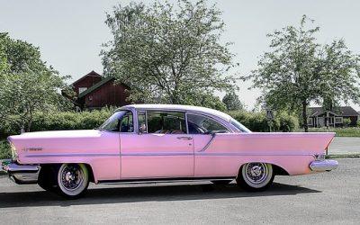 Chevrolets en roze auto's veroorzaken naar verhouding de meeste aanrijdingen