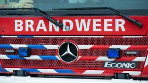 Auto belt zelf brandweer na ongeval, bestuurder gered